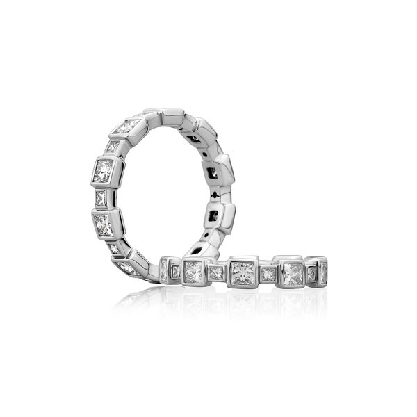 Princess Cut Alternating Size Anniversary Band